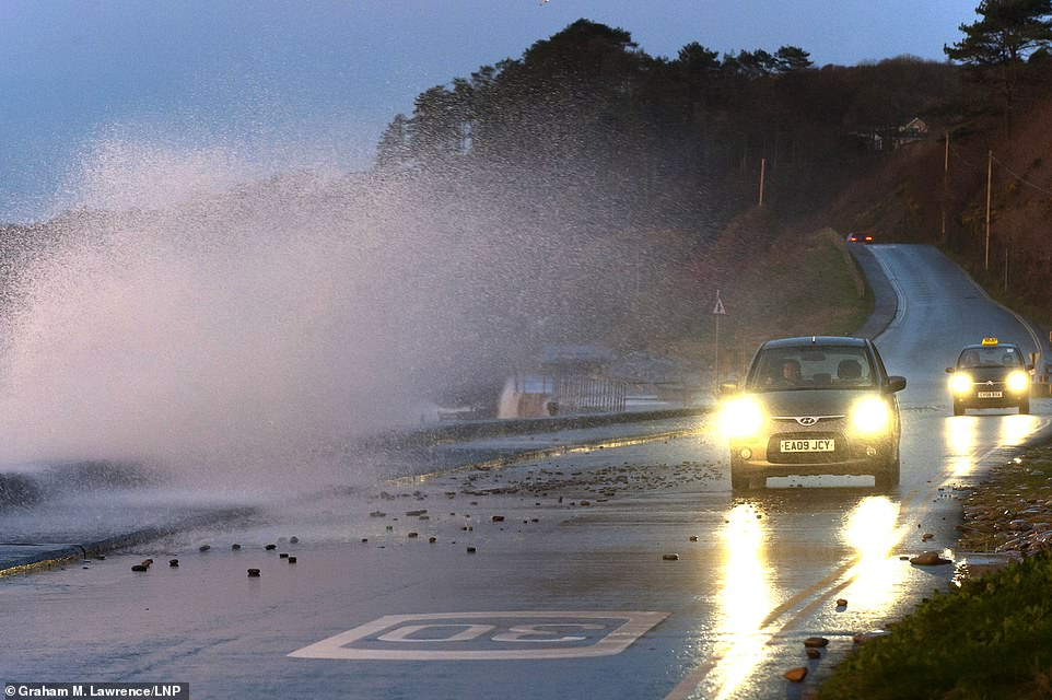UK weather: Wind warnings in place for the next 48 hours amid Storm Brendan